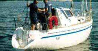 Pegaz 969 motorsailer - na wiatr i ropę